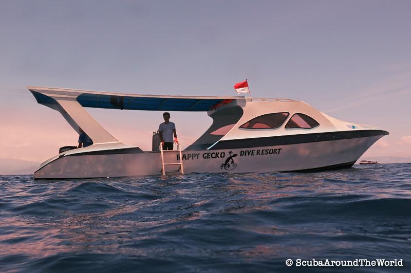 Scuba Diving Bunaken Indonesia - Happy Gecko Dive Resort Boat