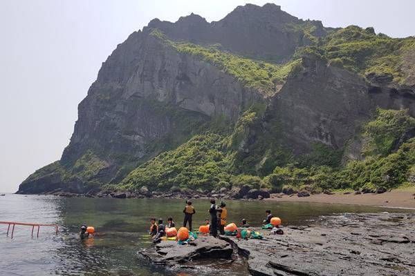 Best scuba destinations for new divers - scuba diving Jeju, South Korea
